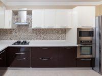 ארון מטבח חדשני ועכשוי קרמיקה משלימת מראה